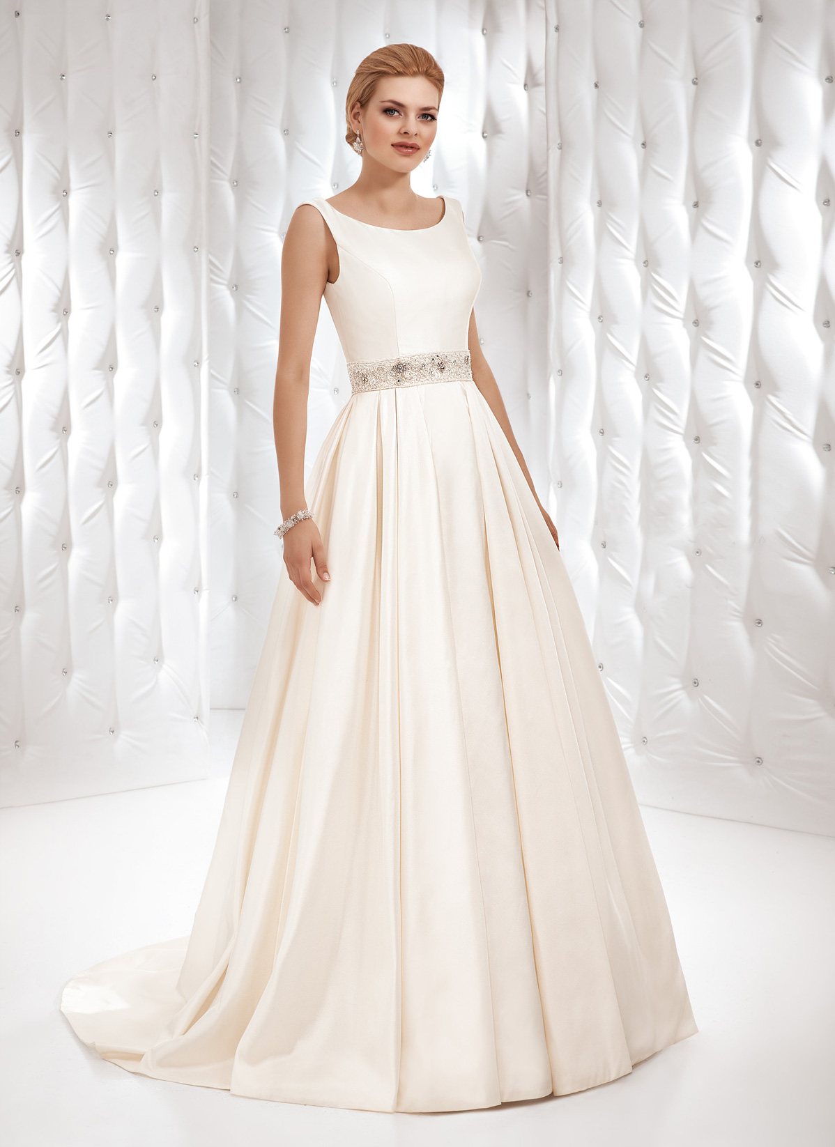 Herm&#8217;s Bridal <br> Macon <br> Size 12 Was £1,200 Now £600