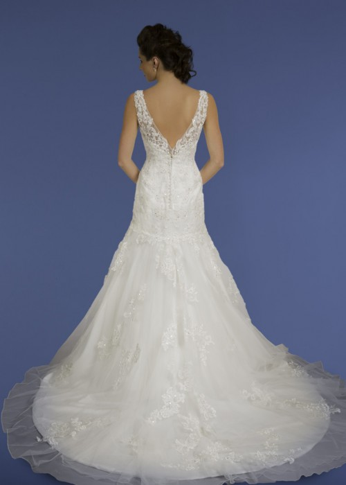 Diane Harbridge <br> Penelope<br>Size 14 Was £1,200 Now £600
