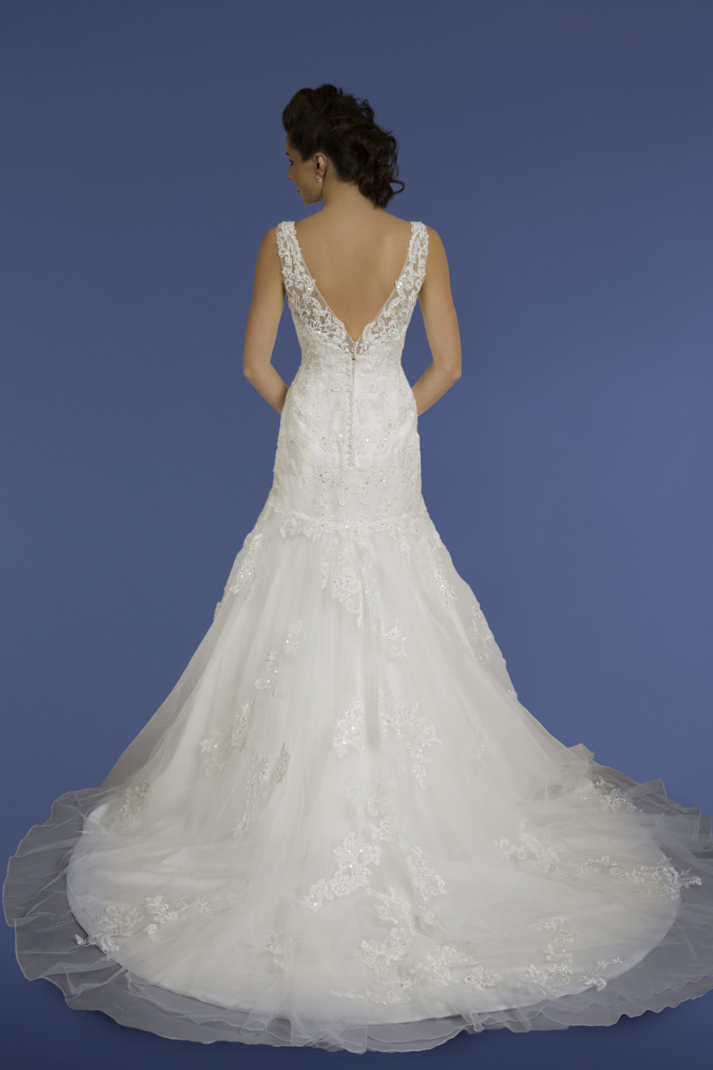 Diane Harbridge <br> Penelope<br>Size 14 Was £1,200 Now £850
