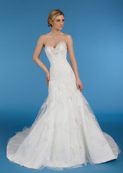 Diane Harbridge <br> Amelia<br>Size 12 Was £1,250 Now £250