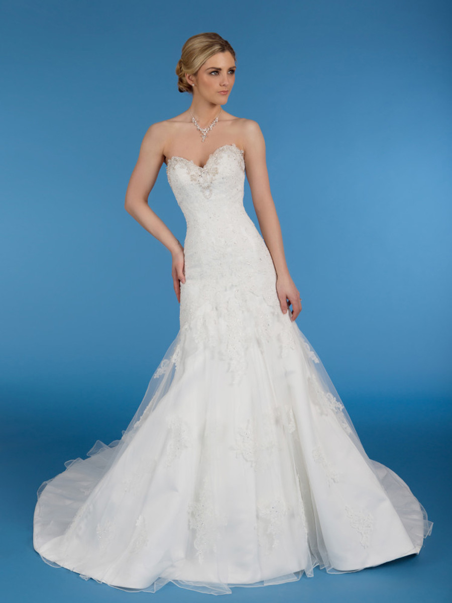 Diane Harbridge <br> Amelia<br>Size 12 Was £1,250 Now £600