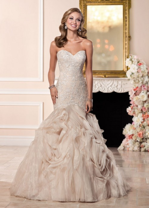 Stella York <br> Scarlett <br> Size 14 Was £1,200 Now £700