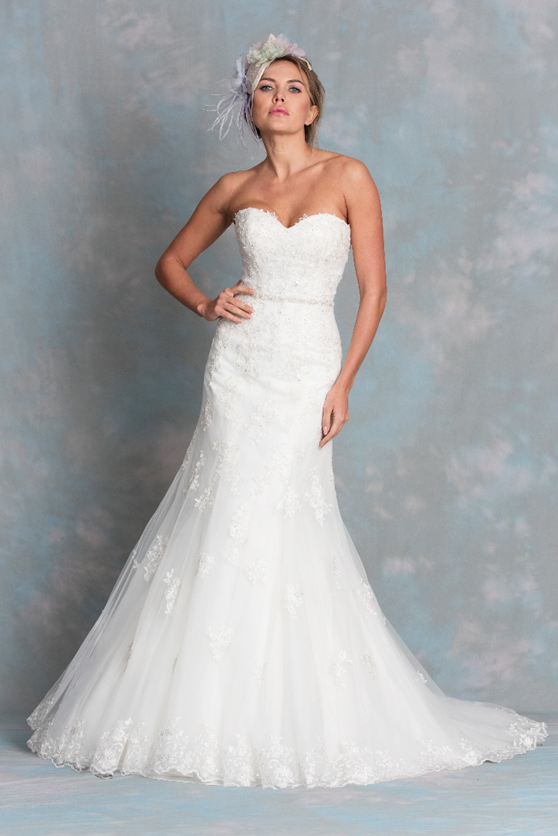 Diane Harbridge <br> Cordelia<br>Size 16 Was £1,350 Now £950