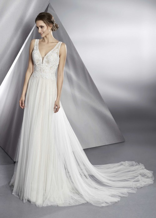 Modeca<br>Bolivia<br>Size 8 Was £1,300 Now £500