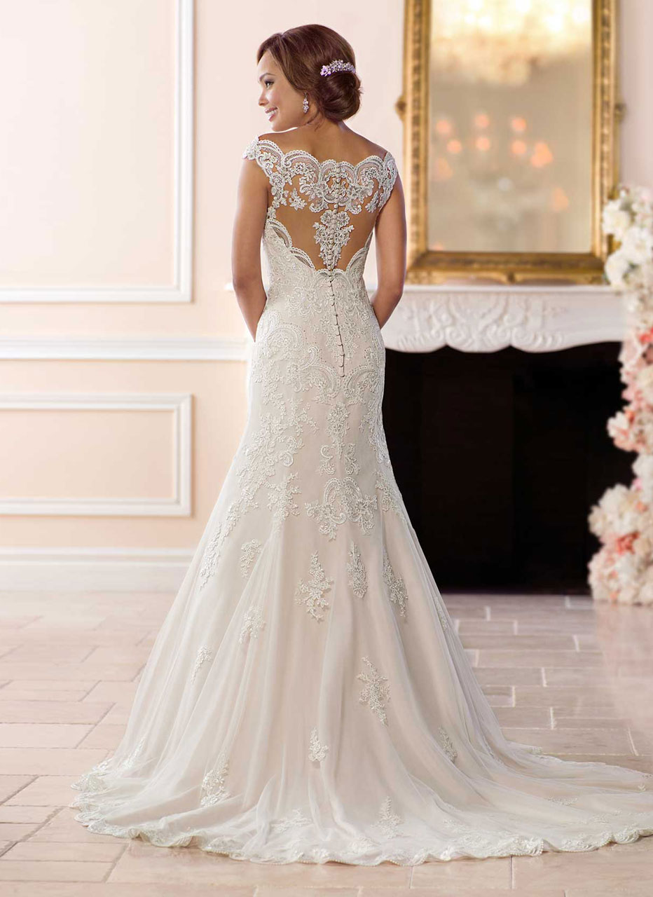 Stella York <br> Emma <br> Size 14 Was £1,600 Now £800