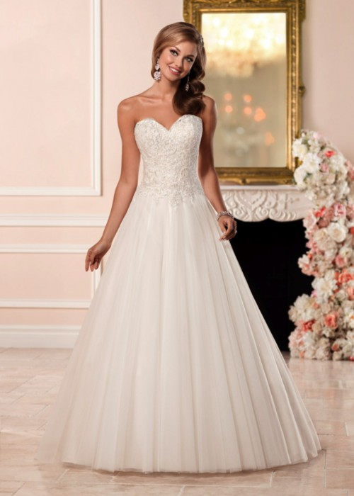 Stella York <br> Katie <br> Size 16 Was £1,050 Now £700