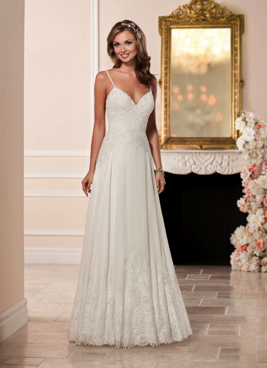 Stella York<br>Alice<br>Size 12 Was £1,100 Now £650