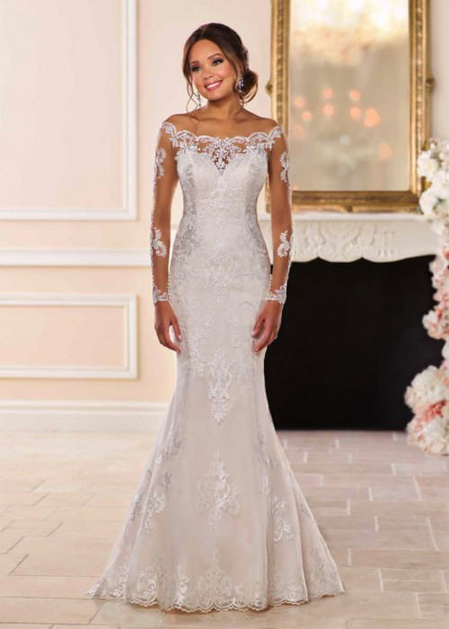 Stella York <br> Lois<br>Size 14 Was £1,400 Now £700