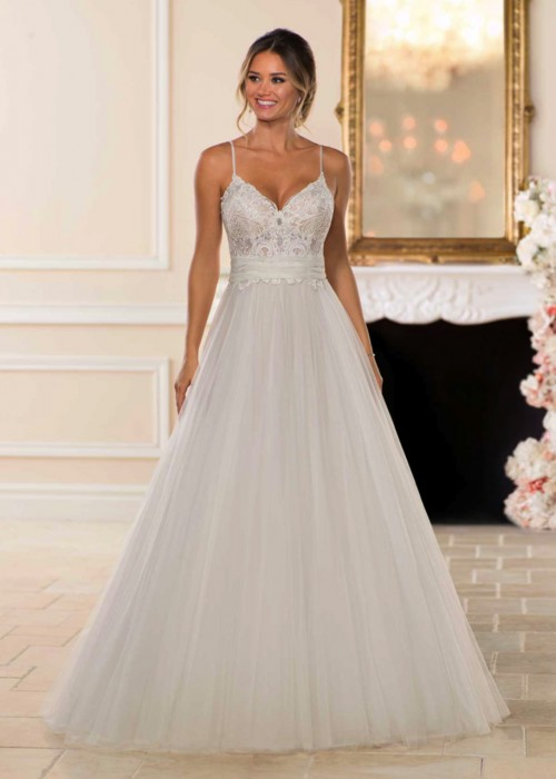 Stella York <br> Louise<br>Size 12 Was £1,450 Now £750