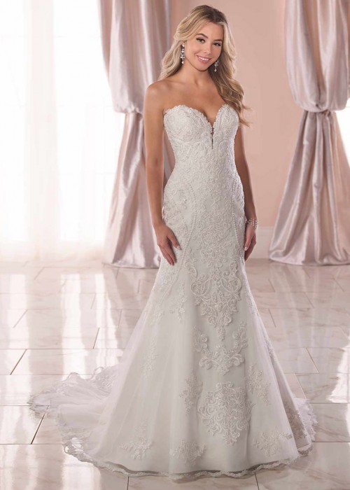 Stella York <br> Marie<br>Size 14 Was £1,600 Now £700