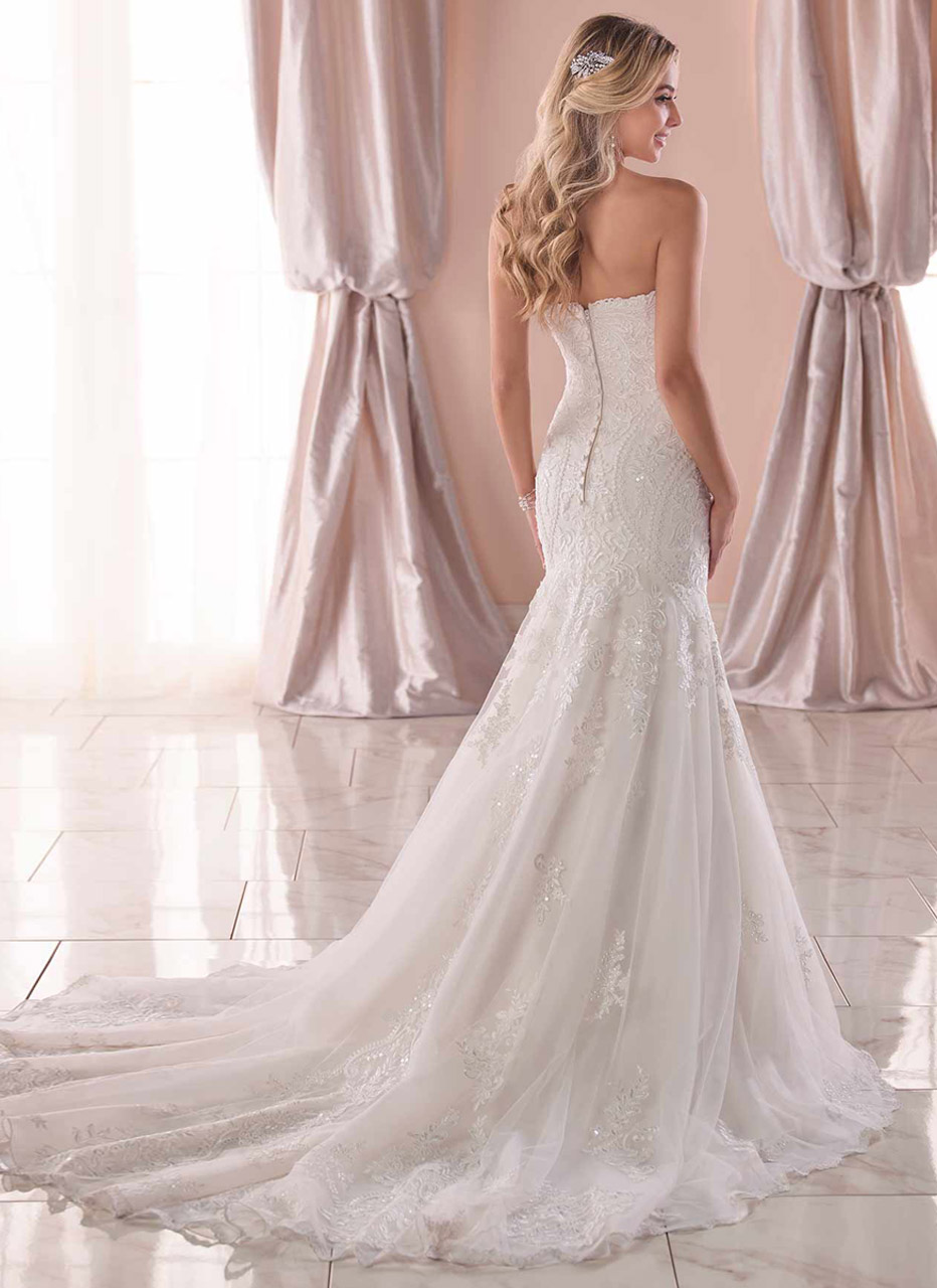 Stella York <br> Marie<br>Size 14 Was £1,500 Now £750