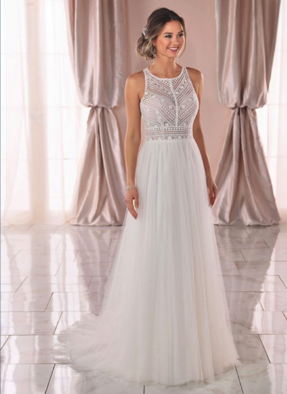 Stella York <br> Fleur<br>Size 10 Was £1,100 Now £650