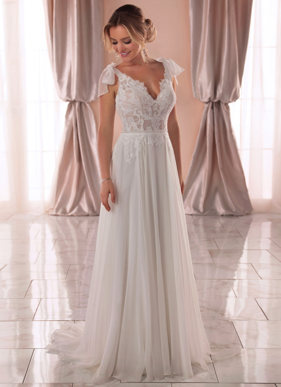Stella York <br> Isla<br>Size 14 Was £1200 Now £750